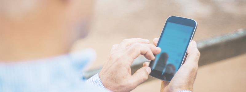 Hörtechnologie: Hörgeräte und Smartphone clever kombinieren