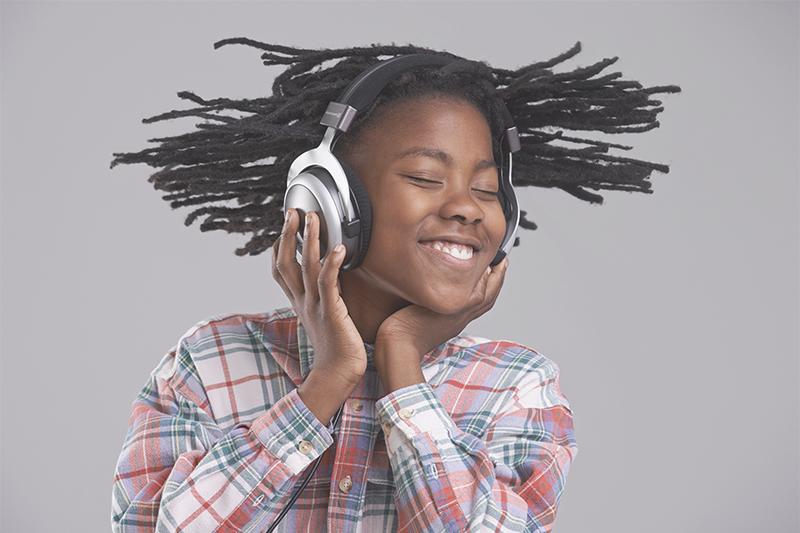 Lieblingsmusik entspannt genießen – mit den richtigen Kopfhörern und der richtigen Lautstärke.