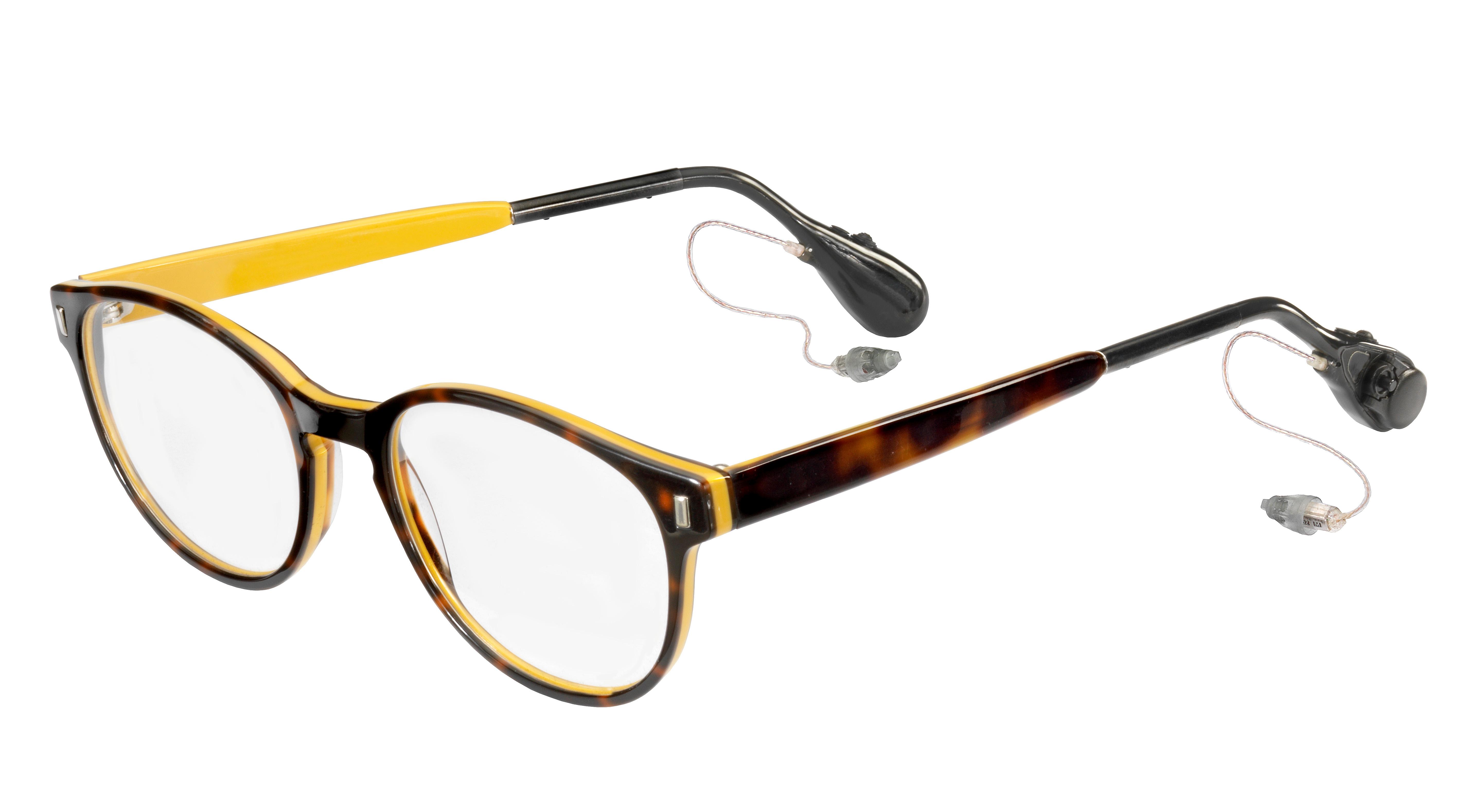 Gut Hören und Sehen – mit Brille und Hörgerät.