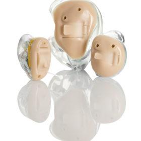 Tief im Ohr sorgen sie für gutes Hören: In-dem-Ohr-Geräte.
