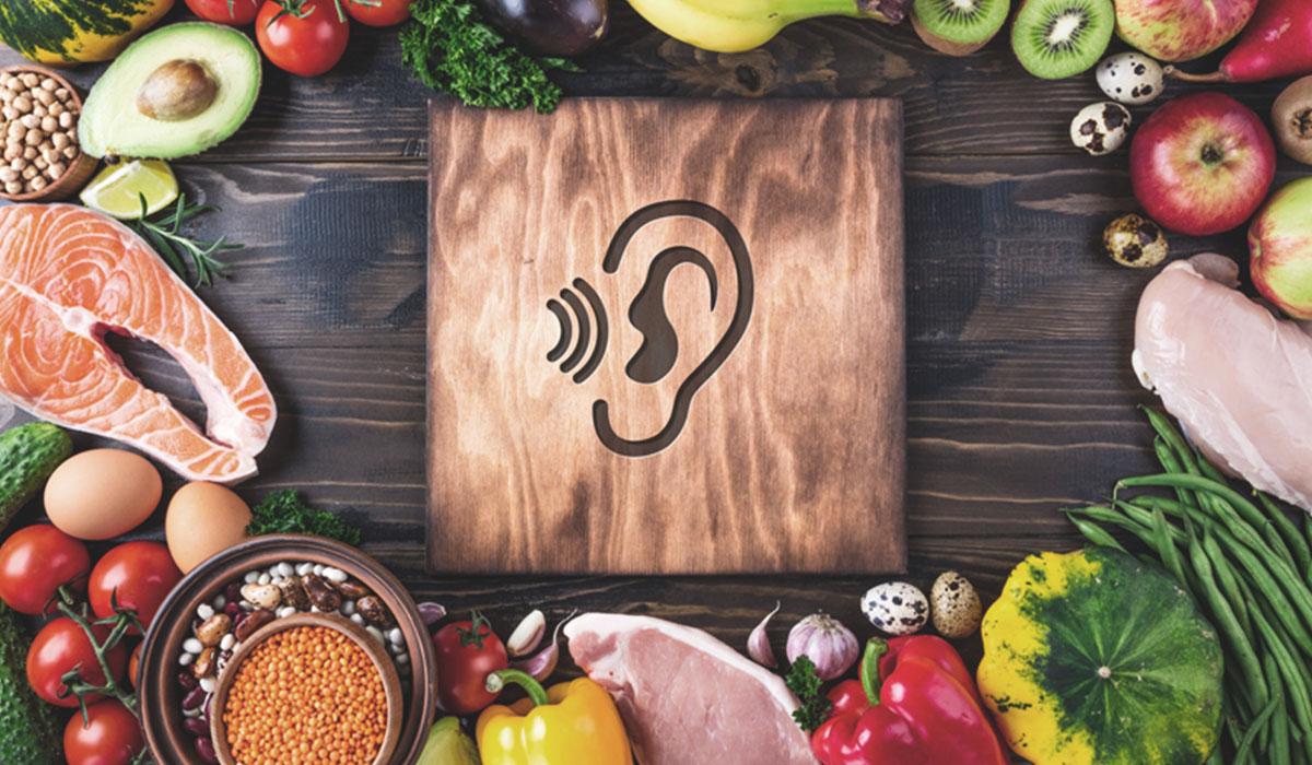 Eine vitaminreiche Ernährung verbessert das Hören deutlich.