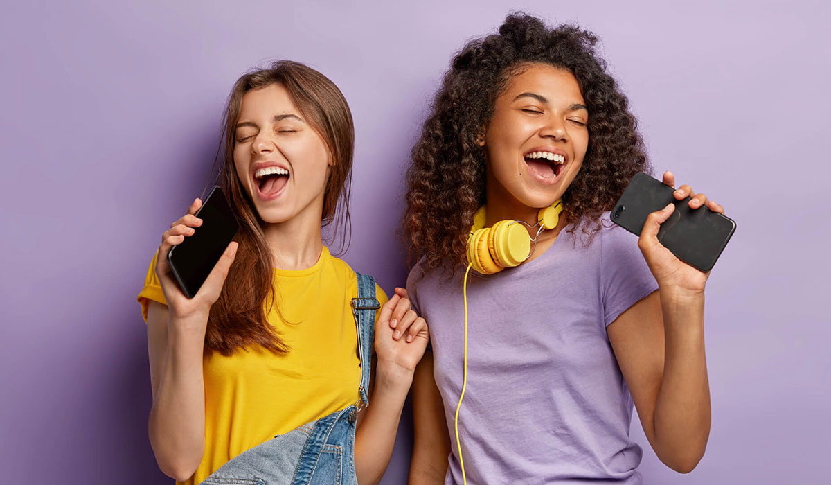 Sich glücklich singen